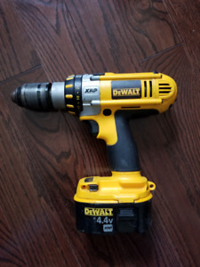 Dewalt DC930 Drill with 14.4v XRP Battery (no charger)