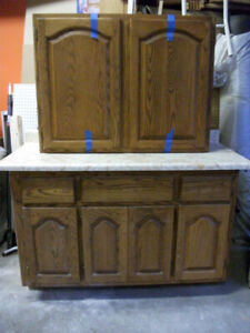 Wood Kitchen Cabinets with Counter Top-Armoires Cuisine en Bois