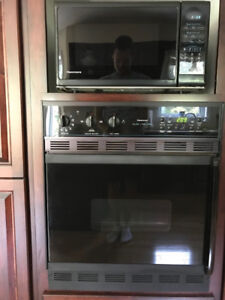 Kenmore Wall Oven, Cooktop and Microwave.  Great for a cottage.