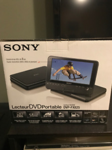Lecteur DVD portable / Portable DVD player