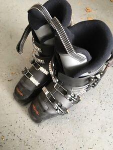 Salomon Ski Boots size 25.5 (size 7- 71/2)