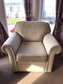 Swivel armchair (like new)