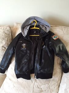 Boy's Bomber Fall/Spring Jacket with hoody West Island Greater Montréal image 1