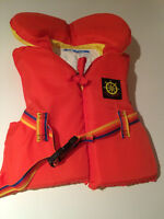 Life jacket child(PFD)$15/Gilets de sauvetage enfant(DFI) $15.