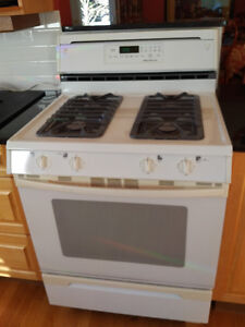 Jenn-Air Propane/Gas Stovetop with Convection Oven