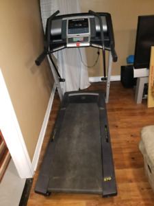 Treadmill  exc cond $175 delivery available