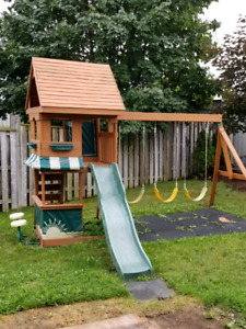 Play House swing set For Sale