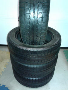 Set de pneus Hiver Maxtrek 195 55R15 très bonne condition