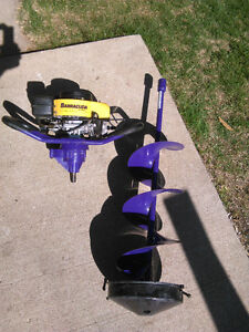 BARRACUDA ice auger ..almost new