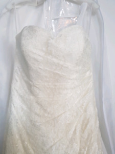 Size 12 All-over lace wedding dress
