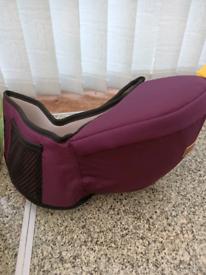 Child carrier hip seat