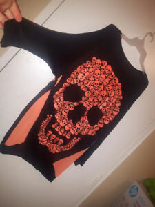 LADIES SIZE XL SKULL TOP PICKUP IN THE HANOVER AREA