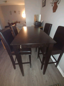 Counter Height Dining Table with 4 Chairs