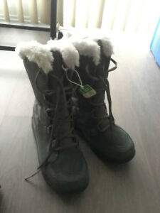 BRAND NEW Ice Maiden II Lace Up Winter Boot Grey Gray Size 7 Wom