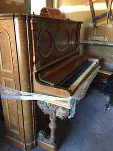 Free Piano for pick up