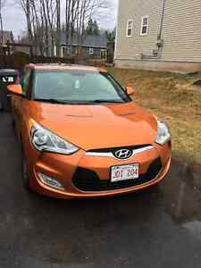 EXCELLENT condition !! Fully loaded Veloster!