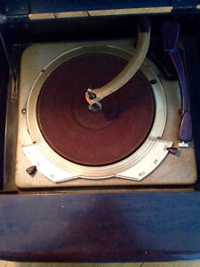 Antique Radio-Record Player ADMIRAL Model 5Y22A N Stratford Kitchener Area image 3