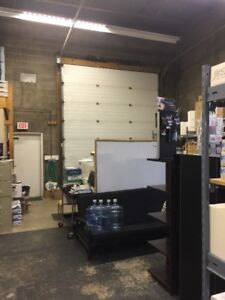 Shop/warehouse/retail space available