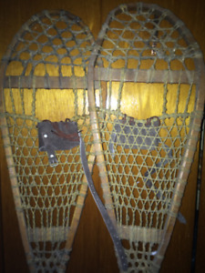 Wooden snowshoes and other accessories
