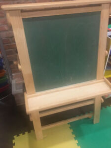 LARGE WOODEN ART EASEL USED