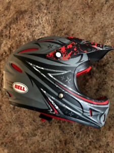 BELL - YOUTH/YOUNG ADULT - MOTOCROSS OFF ROAD HELMET - LIKE NEW