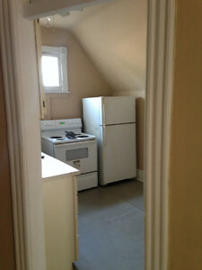 3 Bedroom downtown Richmond/Oxford! STUDENTS!