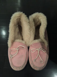 Pink Ugg Moccasin (retails 150 + tax)