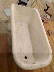 Bain en fonte sur pattes