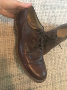 Frye mens brown leather shoes size 9