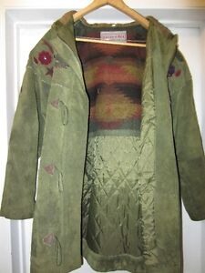 Suade Coat with Hood, Insulated, Woman's size M West Island Greater Montréal image 3