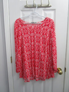 Ladies plus coral pattern blouse from AE size 18 *worn once