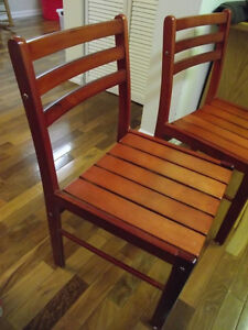 2 chaises en bois massif  - 2 chairs in solid wood West Island Greater Montréal image 3