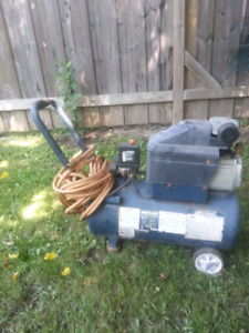Mastercraft 8 U.S. Gallon 2 HP Air Compressor
