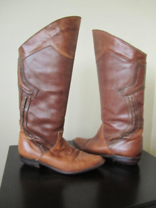 DESIGNER ALL LEATHER BOOTS  size 7  to 71/2