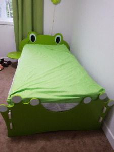 Froggy bed/dresser/desk/chair and bookcase