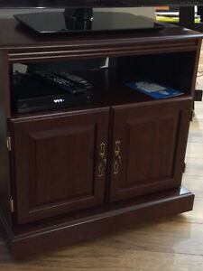TV stand maple