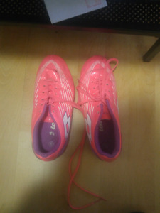 Girls soccer cleats pink size 6