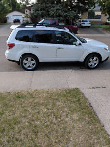 2009 Subaru Forester 2.5X Limited  - Leather Interior, AWD