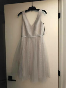 LIGHT VERA WANG DRESS IN PERFECT CONDITION!!!