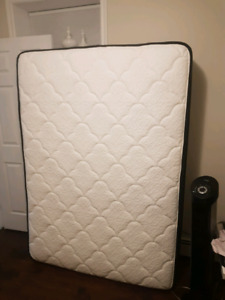 Like new double size mattress