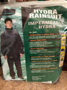Mens Large Hydra Rain Suit-never used