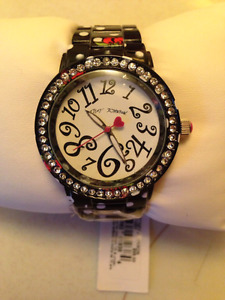 LADIES WATCH  retails for $95 selling for $25