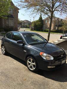 2011 Hyundai Accent clouth Hatchback