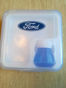 Ford-brand lunch box with built-in ice pac