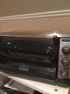 Black & Decker toaster oven - convection