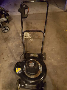 Lightly Used Black n Decker LM110 Electric Lawnmower