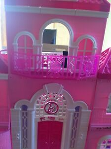 Barbie doll house London Ontario image 4