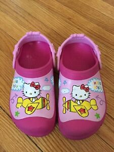 EEEUC Hello Kitty Crocs size 12/13