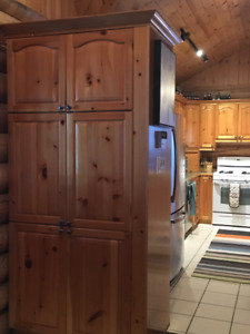 Pine Wood Country Kitchen