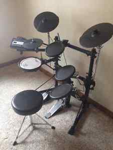 Excellent-Condition, Rolland Electronic TD-3 V-drum Kitchener / Waterloo Kitchener Area image 4